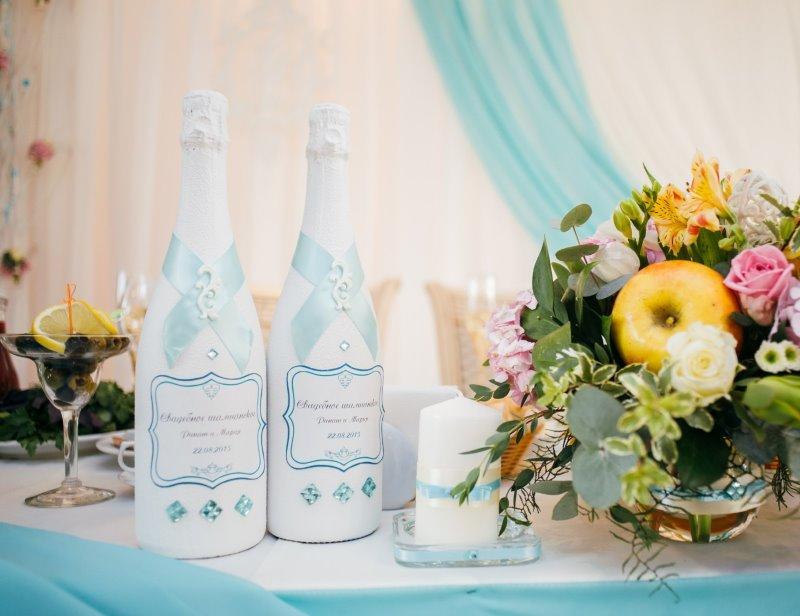 оформление бутылок шампанского на свадьбу декор фото