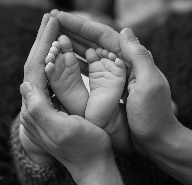 Как правильно стричь ногти у новорожденного на ножках