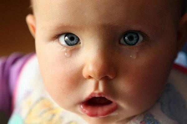 Слезоточивость у новорожденного при конъюнктивите