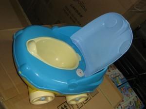 Горшок-машинка для деток до года