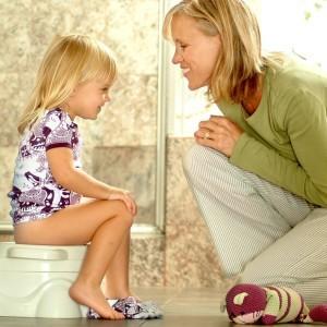 Можно ли приучать ребенка к горшку ранее 1,5 лет