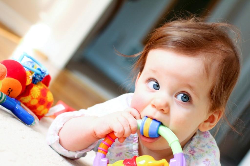 Игрушки для ребенка при прорезывании зубов