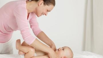Легкий массаж межреберных полостей у грудничков