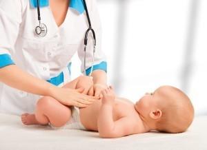 Массаж — альтернатива клизме новорожденному
