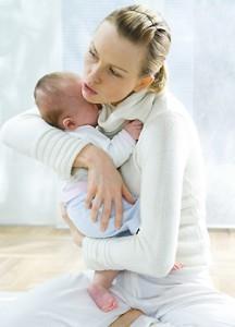 Правильная поза чтобы усыпить и супокоить грудничка