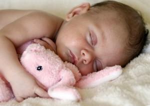 Новорожденный часто потеет