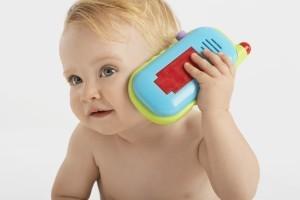 Новорожденный не слышит
