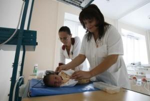 Проведение процедуры скрининга новорожденному