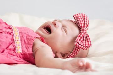 Причины плача новорожденного перед сном