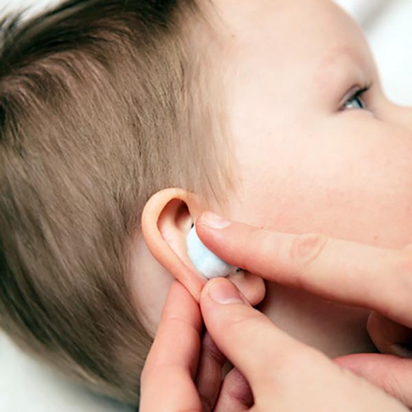 Чем можно закапать ухо в домашних условиях ребенку