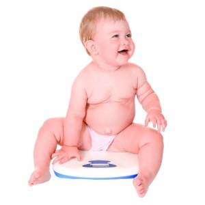 Когда ожирение у грудничков возникает само собой, возможно это патология и необходим контроль веса.