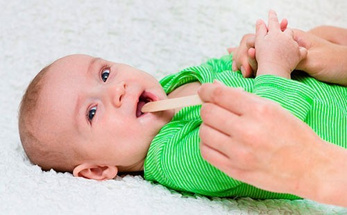 Фарингит у новорожденного может определить квалифицированный педиатр