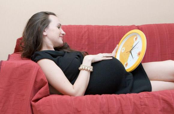 Если не пришли предвестники родов у повторнородящих и первородящих — нужна консультация гениколога