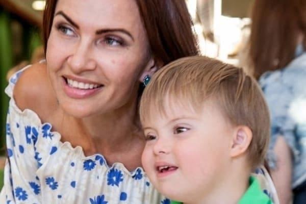 Эвелина бледанс с ребенком сейчас 87
