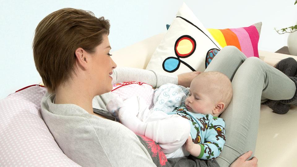 Если наблюдается нарушение слуха у новорожденного, он отстает в развитии