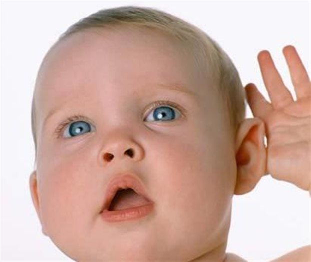 Лечить тугоухость у новорожденного стоит только по показаниям. Самостоятельные действия приведут к осложнениям.