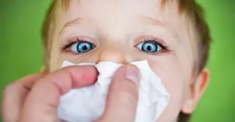 Синусит — это показание к использование Виброцила для новорожденных