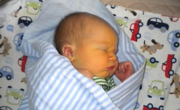 Гепатит В у грудничков и новорожденных может появиться спустя несколько недель после появления на свет