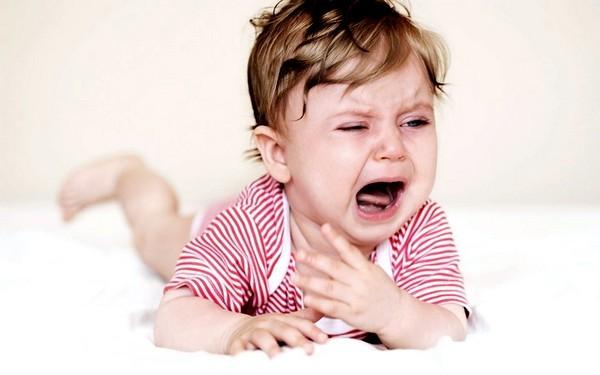 Грипп у детей грудного возраста сопровождается сухим кашлем
