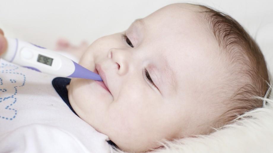 Ежедневно при лечениее гриппа у грудных детей измеряется температура тела