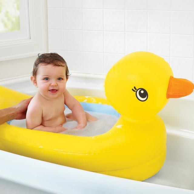 Детская надувная ванночка в форме утенка