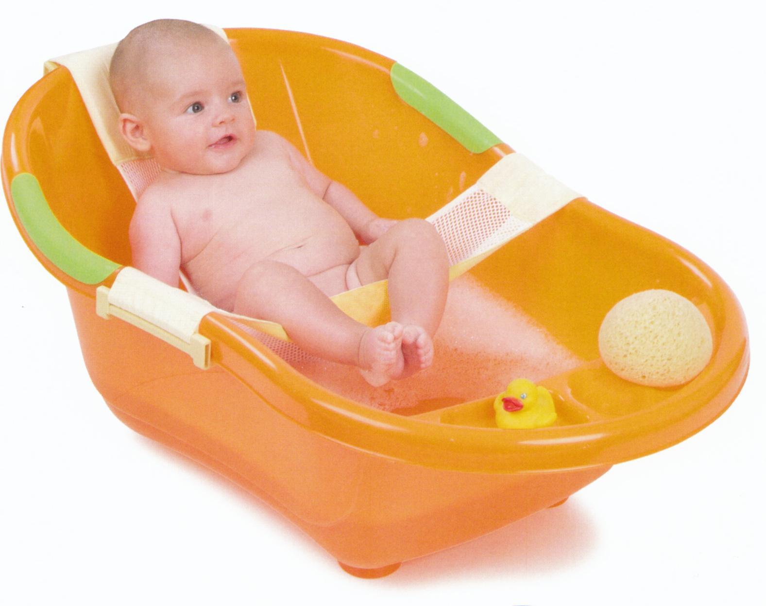 Детская ванночка для купания с гамаком удобна только первые несколько месяцев, а потом гамак можно снять