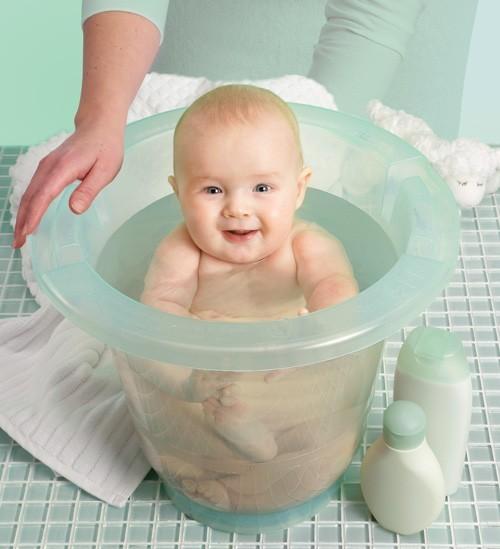 Ванночка для купания новорожденных мамин животик комфортна только в первые месяцы жизни, потом кроха из нее вырастает