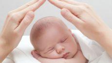 Безопасность новорожденного дома и на улице