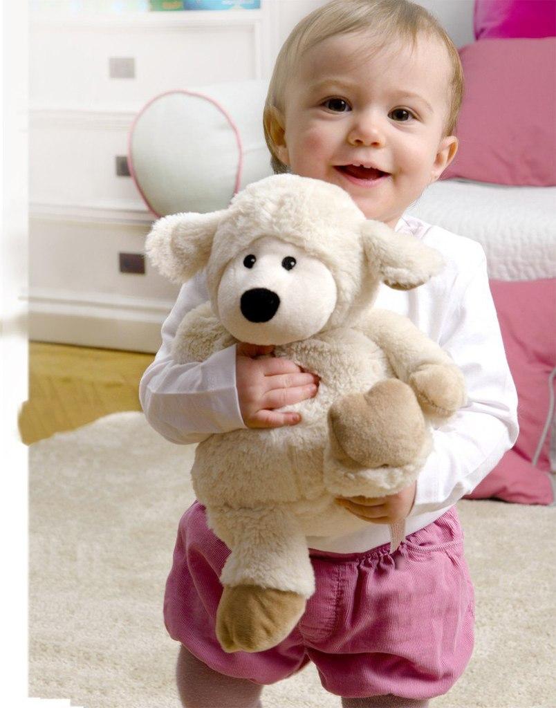 Игрушка грелка согревает новорожденного, может быть прохладным компрессом, а также приятной игрушкой
