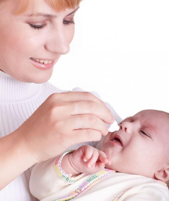 Мирамистин для лечения насморка у грудничка применяется только в форме капель