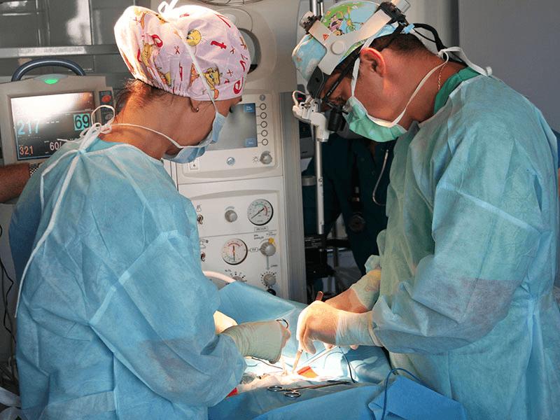 Сложная форма флегмоны новорожденных требует срочного хирургического вмешательства