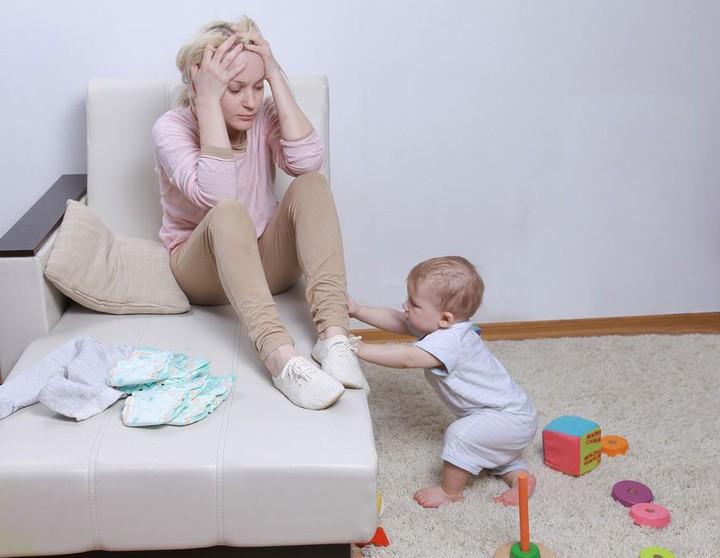Из за стрессов мать может сама отказаться кормить малыша грудью