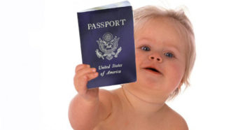 Новорожденный с американским паспортом