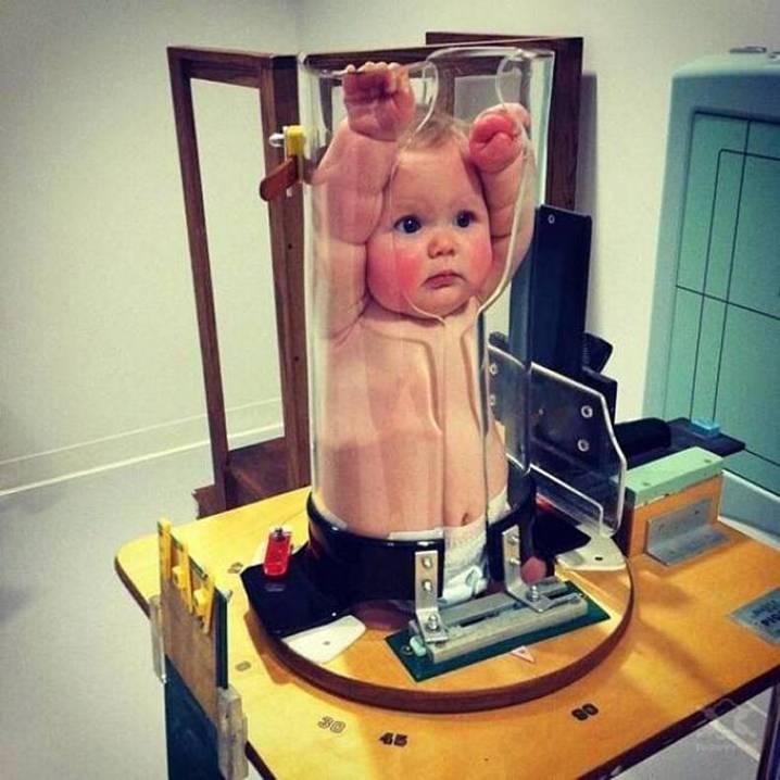 Специальный фиксатор для проведения рентгена малышу