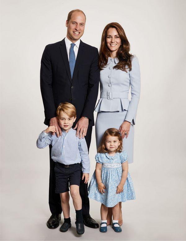 Двое детей семьи принца