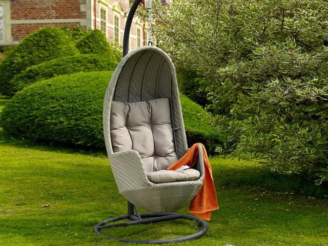 Подвесное кресло для дачи: пусть весь мир подождет!